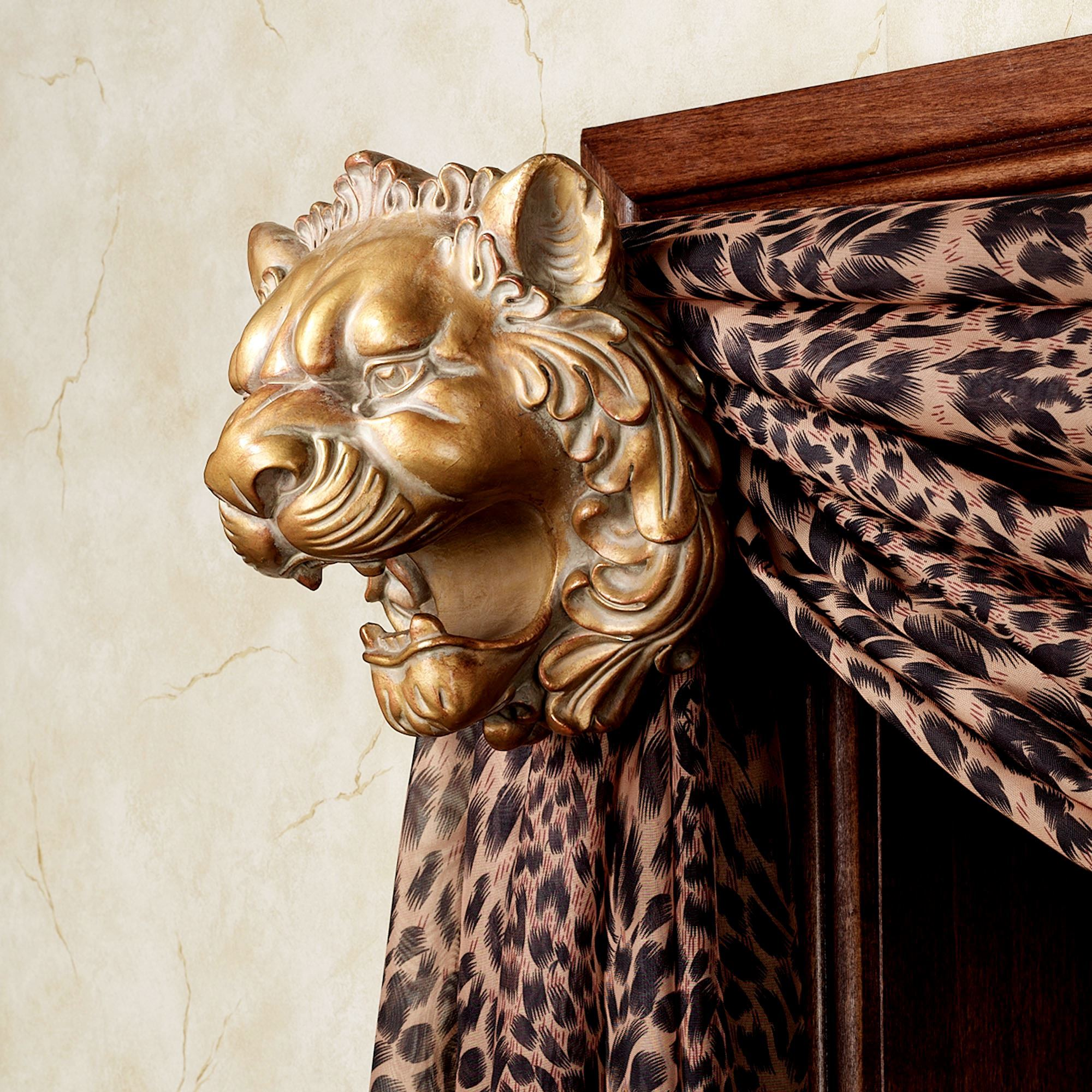 Lion Head Scarf Holder Pair