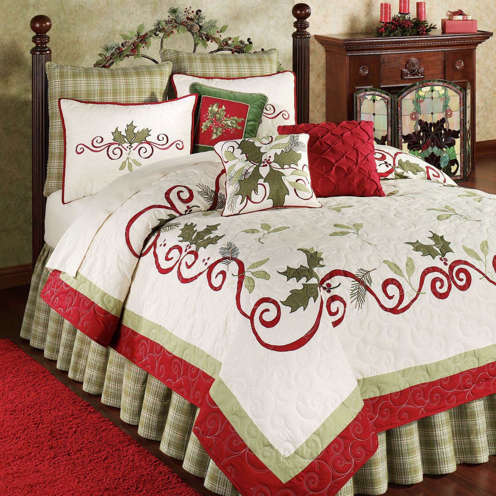 holiday garland quilt eggshell - Christmas Bedding Holiday Bedding