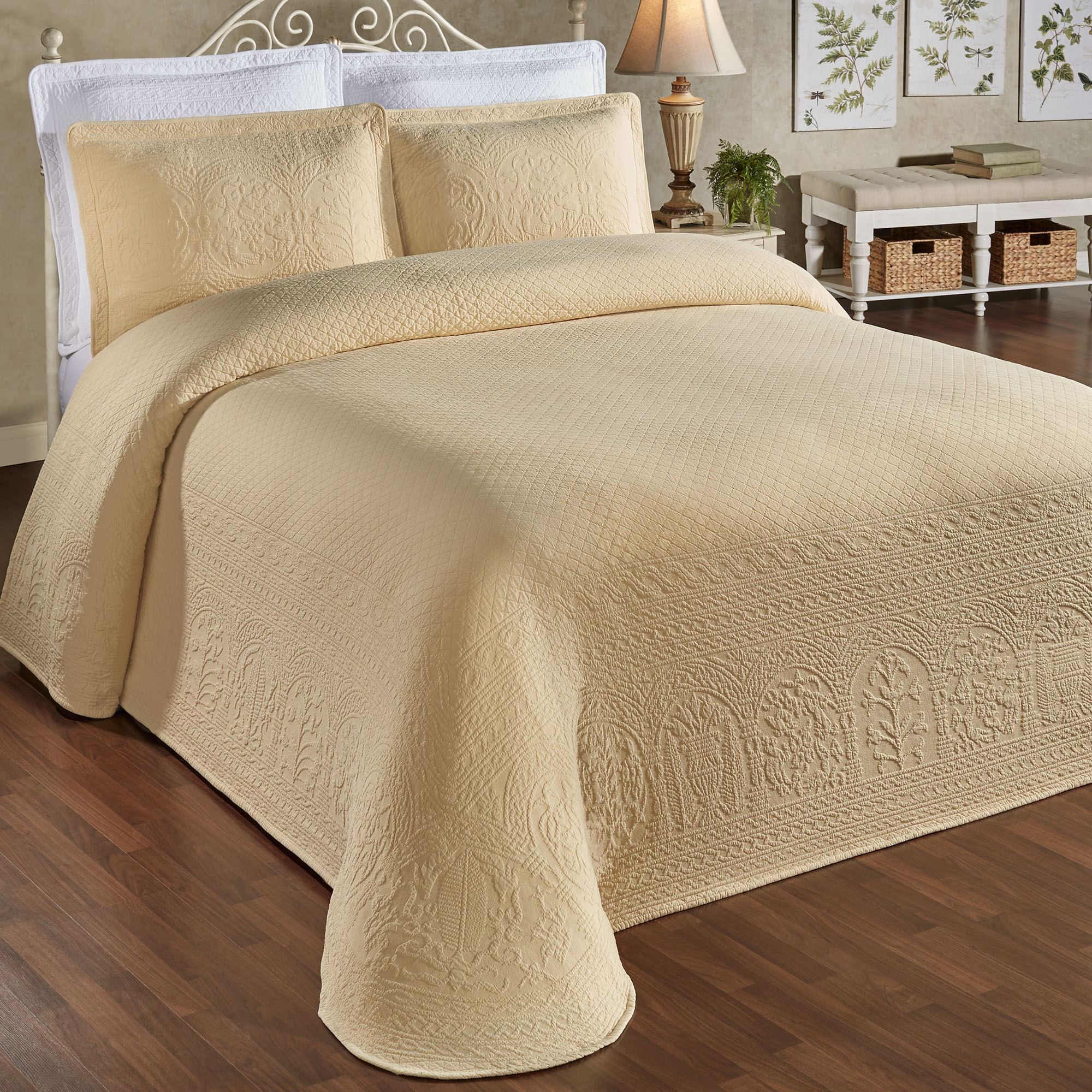 William And Mary Ii Lightweight Woven Matelasse Bedspreads