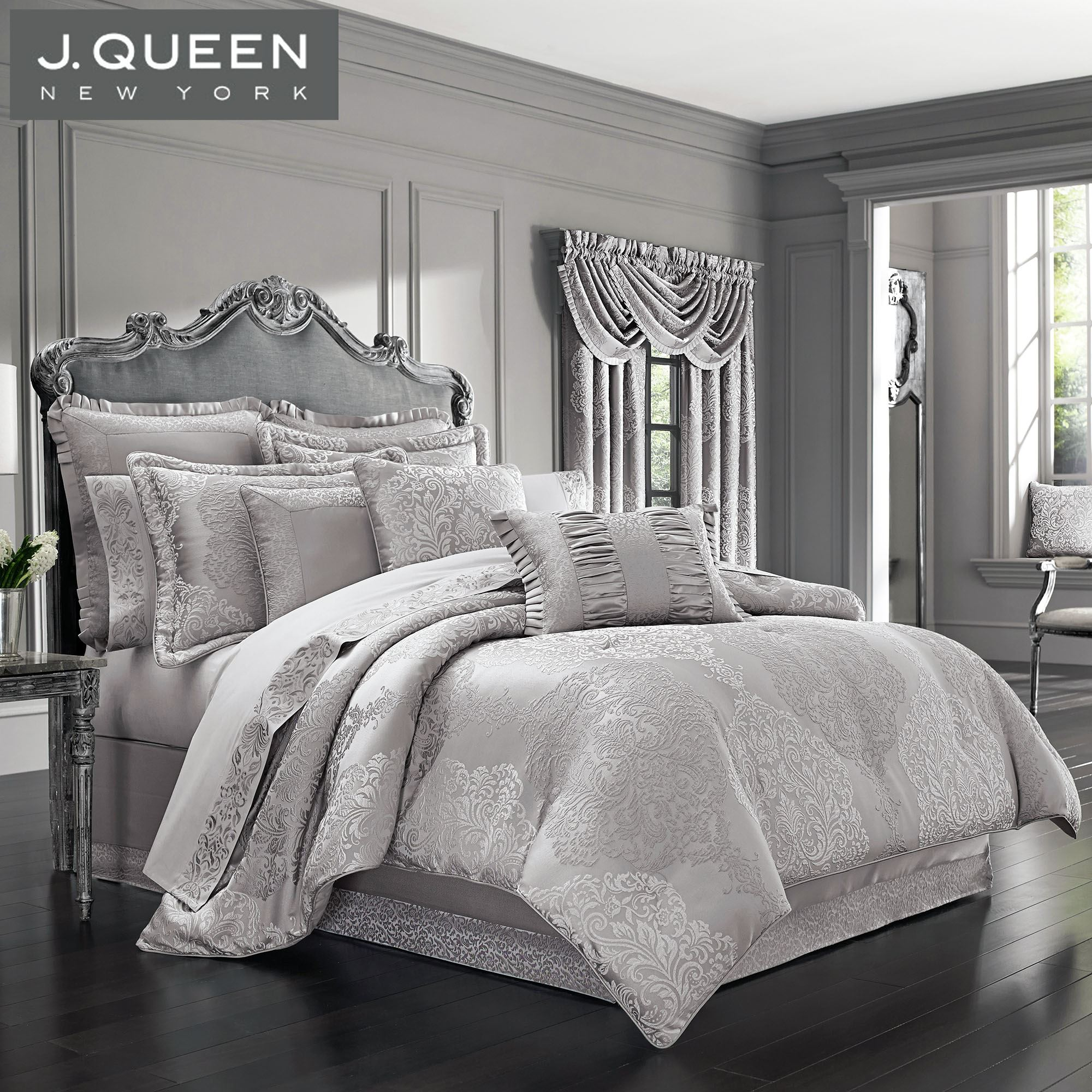 La Scala Silver Medallion Comforter Bedding By J Queen New
